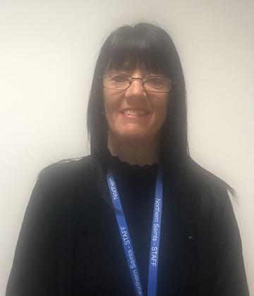 Mrs Lynne Thompson